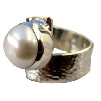 verstellbarer Silberring mit Perle, gehämmert