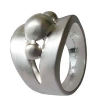 Ring ,Silber mit Kugeln